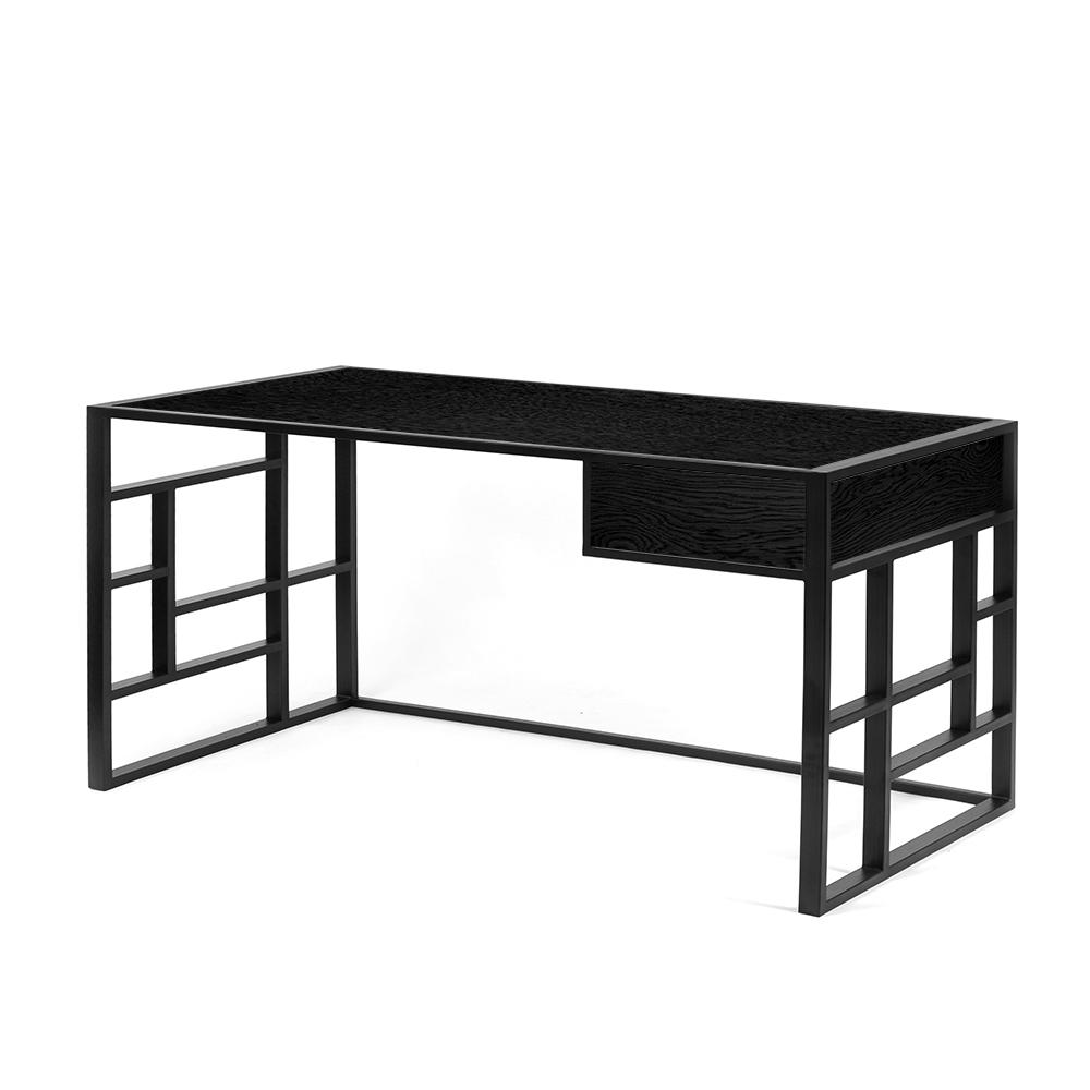 Рабочий стол Millenium lite 2 black черный дубРабочие столы<br>Рабочий стол Millenium 2 lite– вариант рабочего стала являющий собой противоположность скучным офисным столам. Выбирая для себя рабочую поверхность, многие руководствуются именно незаурядностью, ведь любая работа – это творчество, вдохновение. Скука – главный враг фантазии. Но далеко не яркие цвета и аморфные формы решают проблему разнообразия в дизайне. Воплотить вкус к прекрасному помогают природные материалы, качественная отделка и лаконичность конструкции. Именно поэтому модель этого раб...<br><br>stock: 0<br>Высота: 73<br>Ширина: 75<br>Длина: 140<br>Цвет столешницы: Черный дуб матовый лак<br>Материал каркаса: Сталь<br>Материал столешницы: Натуральный шпон дуба<br>Тип материала каркаса: Металл<br>Тип материала столешницы: Дерево<br>Цвет каркаса: Черный