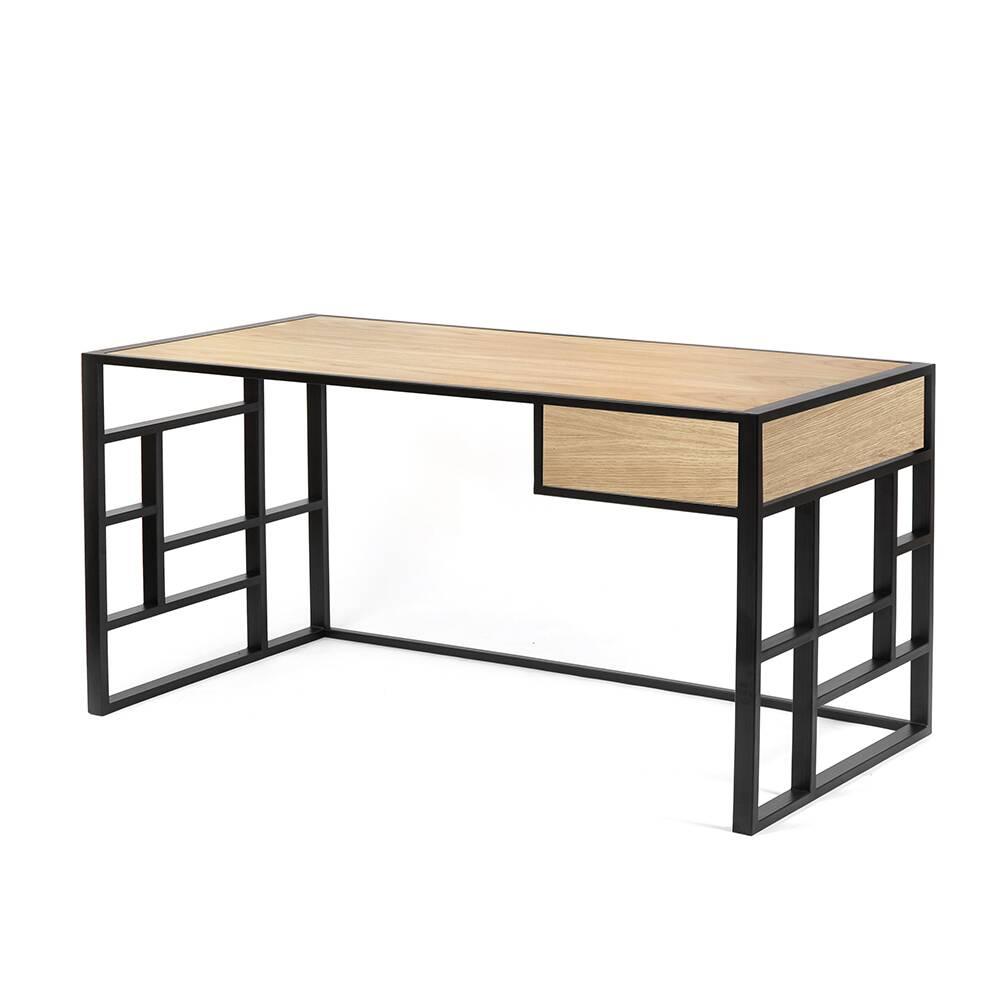 Рабочий стол Millenium lite 2 black светлый дубРабочие столы<br>Рабочий стол Millenium 2 lite– вариант рабочего стала являющий собой противоположность скучным офисным столам. Выбирая для себя рабочую поверхность, многие руководствуются именно незаурядностью, ведь любая работа – это творчество, вдохновение. Скука – главный враг фантазии. Но далеко не яркие цвета и аморфные формы решают проблему разнообразия в дизайне. Воплотить вкус к прекрасному помогают природные материалы, качественная отделка и лаконичность конструкции. Именно поэтому модель этого раб...<br><br>stock: 0<br>Высота: 73<br>Ширина: 75<br>Длина: 140<br>Цвет столешницы: Светлый дуб<br>Материал каркаса: Сталь<br>Материал столешницы: Натуральный шпон дуба<br>Тип материала каркаса: Металл<br>Тип материала столешницы: Дерево<br>Цвет каркаса: Черный