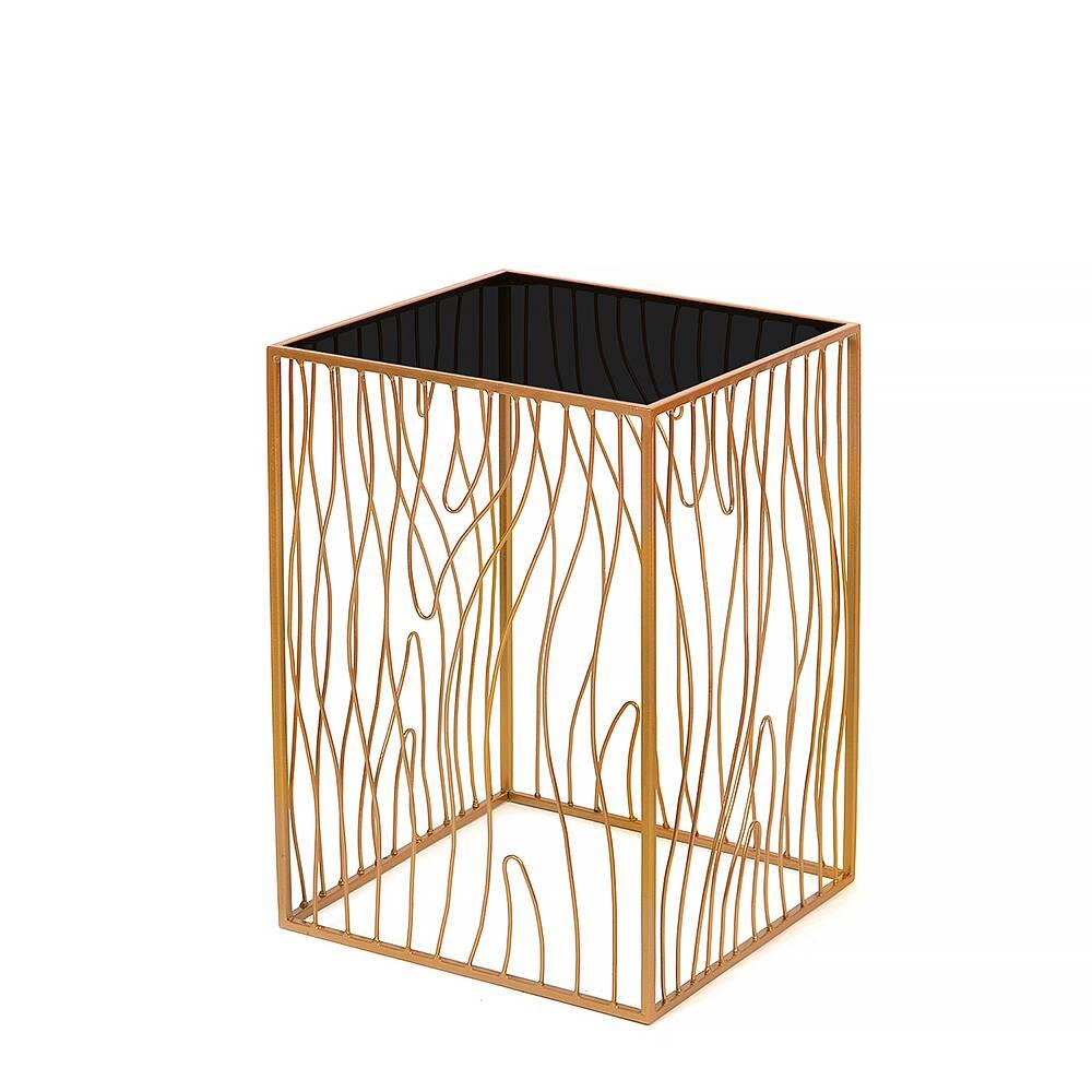 Кофейный столик Poole lite gold черное стеклоКофейные столики<br><br><br>stock: 0<br>Высота: 60<br>Ширина: 40<br>Длина: 40<br>Цвет столешницы: Черное стекло<br>Материал каркаса: Сталь<br>Материал столешницы: Стекло<br>Тип материала каркаса: Металл<br>Тип материала столешницы: Стекло<br>Цвет каркаса: Золотой