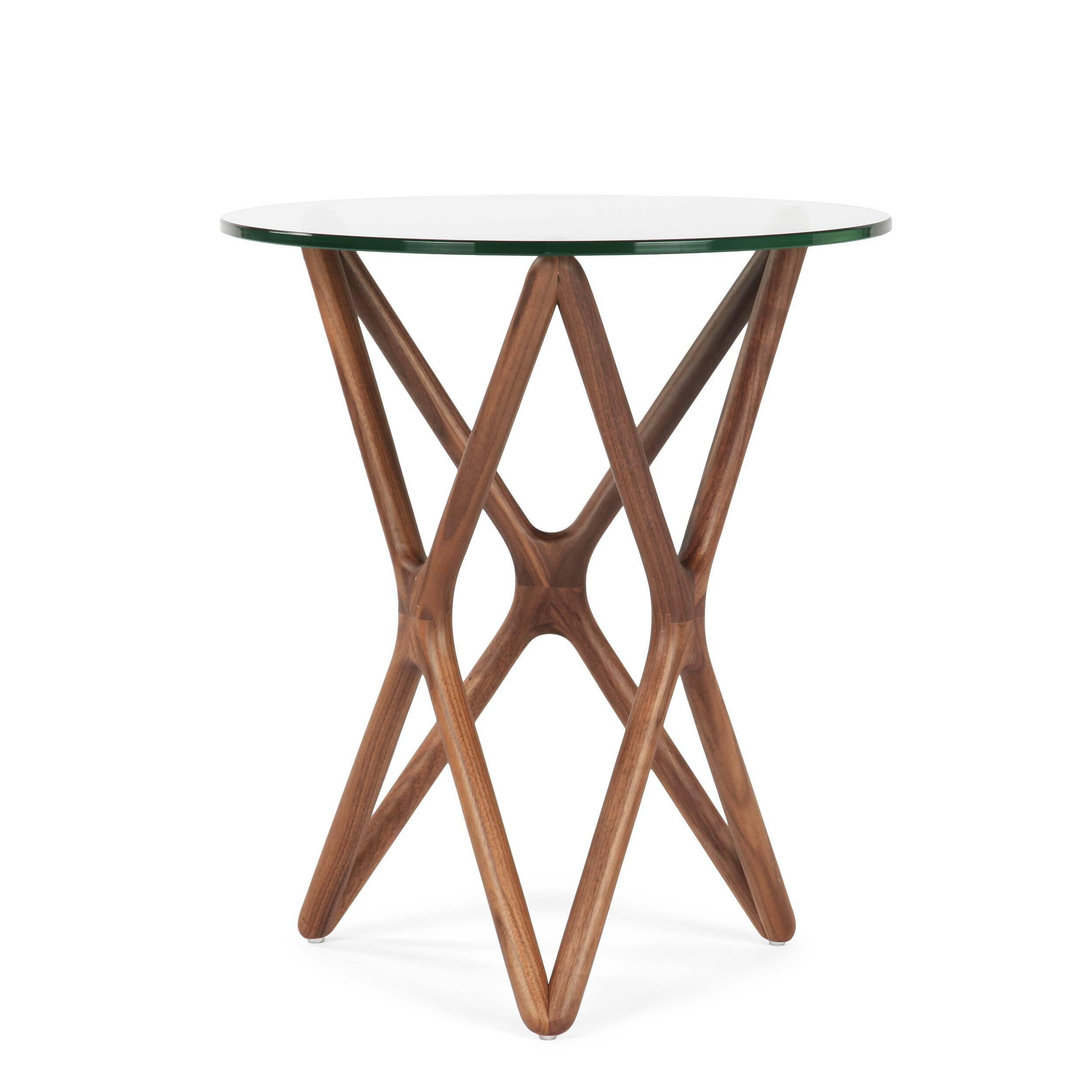 Кофейный стол Triple X высота 56Кофейные столики<br>Дизайнерский высокий узкий кофейный стол Triple X (Трипл Икс) с высотой 56 см со стеклянной столешницей от Cosmo (Космо).<br><br><br> Кофейный столик — незаменимый предмет обихода, который обычно располагается в гостиной или в том месте квартиры, где выделена зона отдыха. Стильный и необычный кофейный стол Triple X высота 56 порадует тех, кто любит комфорт и индивидуальность в интерьере.<br><br><br> Оригинальный кофейный стол Triple X высота 56 компактен и удобен в использовании. Столик изготовлен в д...<br><br>stock: 4<br>Высота: 56<br>Диаметр: 47<br>Цвет ножек: Орех американский<br>Цвет столешницы: Прозрачный<br>Материал ножек: Массив ореха<br>Тип материала столешницы: Стекло закаленное<br>Тип материала ножек: Дерево