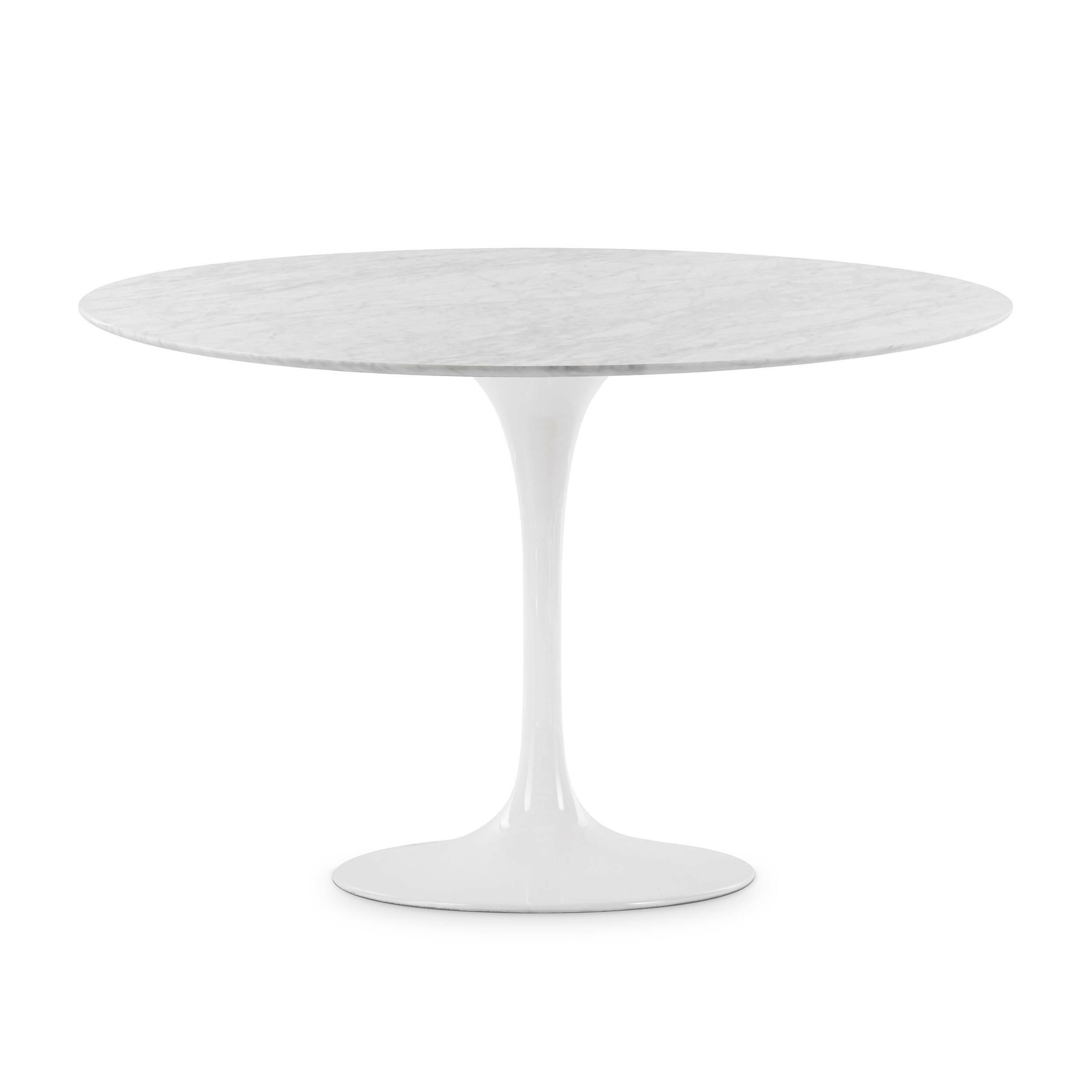 Обеденный стол Tulip диаметр 122Обеденные<br>Дизайнерская глянцевый белый обеденный стол Tulip (Тулип) овальный на одной ножке с мраморной столещницей от Cosmo (Космо).У каждого знаменитого дизайнера прошлого столетия есть своя «формула вечного дизайна», а значит, есть и произведения дизайнерского искусства, которые уже много лет не выходят из моды, не теряют своей актуальности и востребованы по сей день. Стол Tulip как раз был разработан при помощи такой формулы, которую вывел Ээро Сааринен. Изящная ножка-тюльпан и круглая столешница, ...<br><br>stock: 0<br>Высота: 72<br>Диаметр: 122<br>Цвет ножек: Белый глянец<br>Цвет столешницы: Белый<br>Материал столешницы: Мрамор итальянский<br>Тип материала столешницы: Мрамор<br>Тип материала ножек: Алюминий
