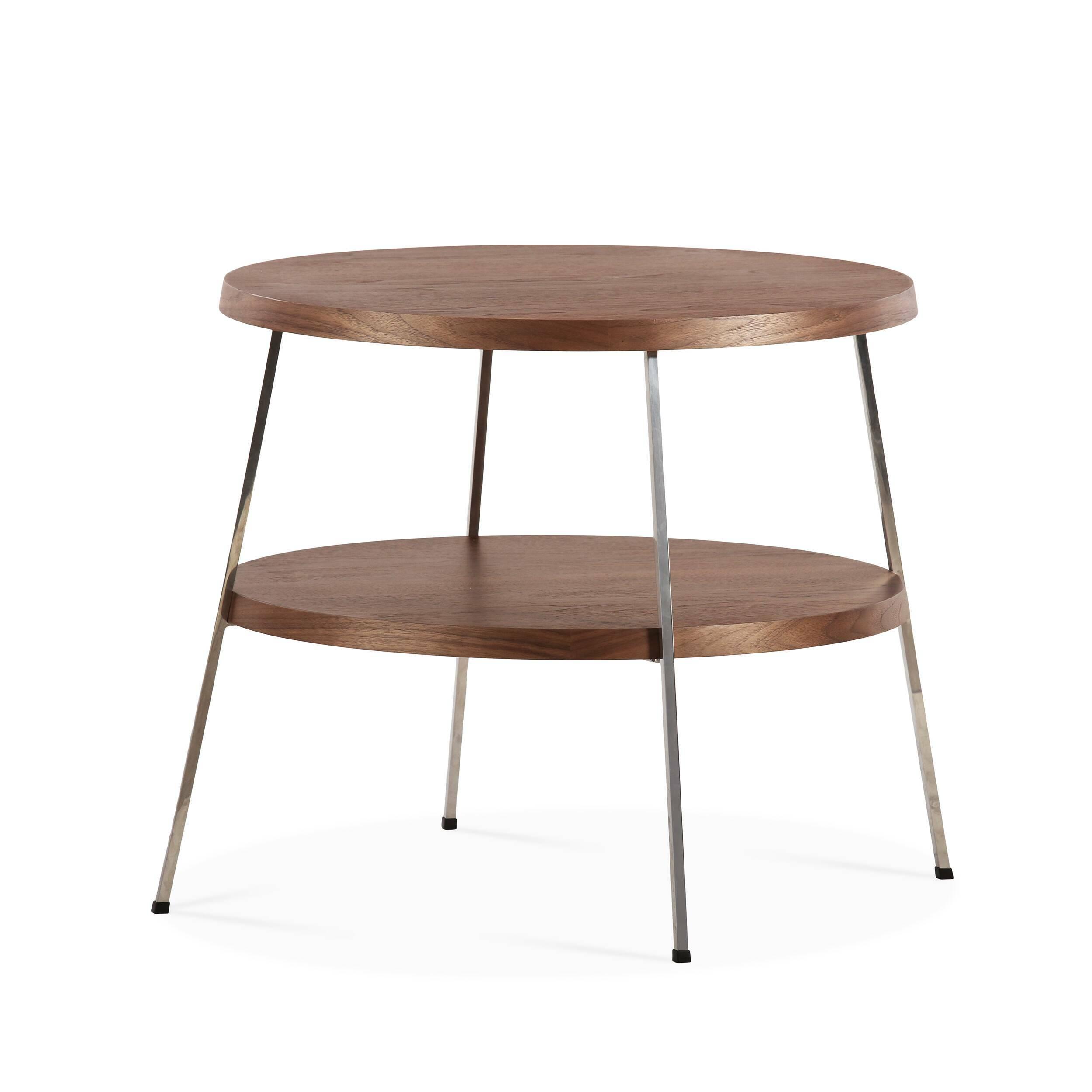 Кофейный стол Two TopКофейные столики<br>Кофейный стол — необязательный, но весьма желательный предмет мебели, который поможет дополнить или завершить интерьер любой гостиной комнаты. Он оказывает большое влияние на атмосферу помещения, дополняя его своей функциональностью и удобством. <br><br><br> Кофейный стол Two Top, разработанный американским дизайнером Шоном Диксом, имеет необычный дизайн и удивительно удобен в использовании за счет своих двух поверхностей. Мебель Шона Дикса минималистична и интеллектуальна, прекрасно обработана...<br><br>stock: 0<br>Высота: 53,5<br>Диаметр: 60<br>Цвет ножек: Хром<br>Цвет столешницы: Орех американский<br>Материал столешницы: Фанера, шпон ореха<br>Тип материала столешницы: Фанера<br>Тип материала ножек: Сталь нержавеющая