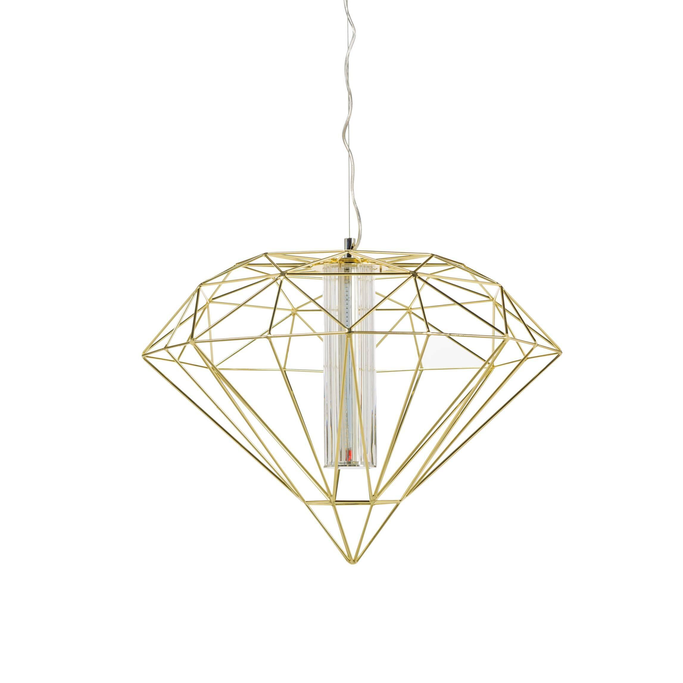 Подвесной светильник Polyhedra диаметр 40Подвесные<br>Будьте оригинальными в интерьере! Освещение в гостиной уже давно не требует внушительных и громоздких люстр, а кто-то и вовсе отказывается от верхнего света, заменив его торшерами, бра и локальными лампами. Если все же вам по душе привычный способ, но классика уже приелась, то обратите внимание на подвесной светильник Polyhedra диаметр 40.<br><br><br> Дизайнеры соединили в нем фантазийную металлическую оплетку, традиционную форму и актуальный медно-золотистый оттенок (в другом варианте это цве...<br><br>stock: 1<br>Высота: 180<br>Диаметр: 40<br>Материал абажура: Металл<br>Ламп в комплекте: Нет<br>Напряжение: 220<br>Тип лампы/цоколь: LED<br>Цвет абажура: Золотой