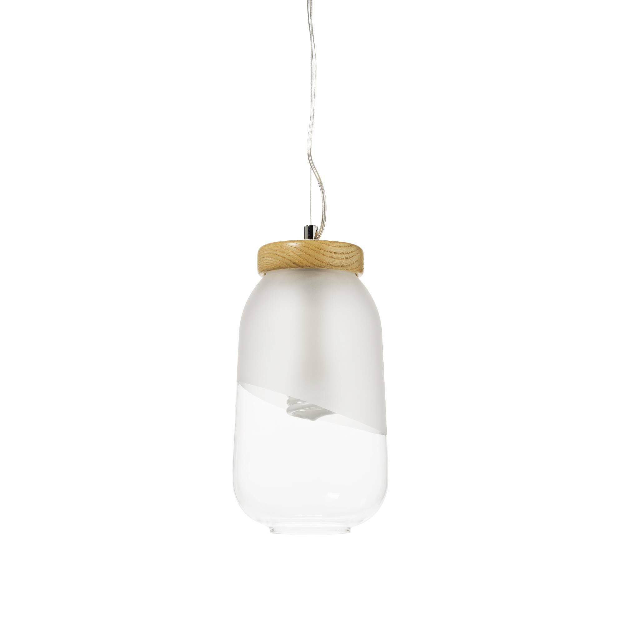 Подвесной светильник  FrascoПодвесные<br>Вероятно, авторы этого минималистичного подвесного светильника Frasco вдохновлялись изобретением Томаса Эдисона 1880 года. Присмотревшись к обычной лампе накаливания, они увидели в ней первозданную красоту без необходимости заключать ее в вычурный плафон. Поэтому их лампочка хранится в лаконичном, наполовину матовом плафоне-банке с деревянной «крышечкой».<br><br><br> Оживить интерьер поможет комбинация из нескольких подвесных светильников Frasco — просто и эффектно. Возьмите несколько ламп и п...<br><br>stock: 1<br>Высота: 150<br>Диаметр: 16<br>Количество ламп: 1<br>Материал абажура: Стекло матовое<br>Материал арматуры: Дерево<br>Мощность лампы: 40<br>Ламп в комплекте: Нет<br>Напряжение: 220<br>Тип лампы/цоколь: E27