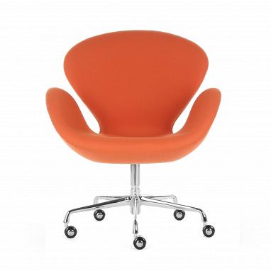 Кресло Swan кожаное на колесиках