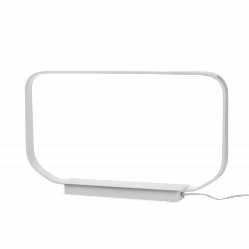 Настольный светильник Minimal BaseНастольные<br>Настольный светильник Minimal Base воплощает в себе суть минималистичного дизайна. И название прямо говорит об этом: простота формы и цвета — ничего лишнего.<br><br><br> В светильнике используется светодиодный тип освещения — один из самых экологически чистых и безопасных источников света. Стильная технологичная лампа отлично впишется в интерьер в стиле хай-тек. Белый светильник хорошо сочетается с любыми цветами в интерьере.<br><br> Яркость, долговечность и отсутствие лишних деталей делают настоль...<br>