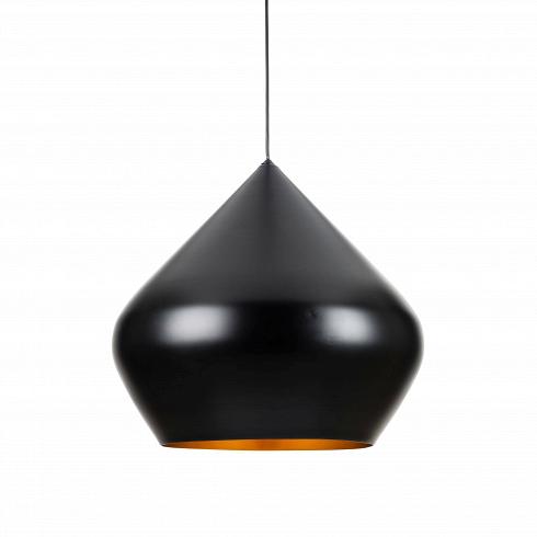 Подвесной светильник Beat Stout диаметр 35Подвесные<br>Подвесной светильник Beat Stout диаметр 35 из коллекции Beat разработан британским дизайнером Томом Диксоном, имя которого известно по всему миру, а его работы популярны среди знаменитых музеев в разных концах света, включая такие музеи, как Музей Виктории и Альберта, MoMA в Нью-Йорке и ЦентрПомпиду в Париже. Диксон является создателем собственного бренда. Как дизайнера его вдохновляет уникальное историческое наследие Великобритании, которое он умело интерпретирует с целью поднять дизай...<br><br>DESIGNER: Tom Dixon