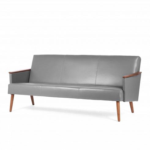 Диван Harry трехместныйТрехместные<br>Выбор дивана по-настоящему определяет будущую атмосферу и стиль помещения. Важно учесть множество факторов: размер, материал обивки и каркаса, дизайн интерьера, в котором он разместится, его назначение. Будет диван стоять в деловом офисе или уютной гостиной? Все это необходимо иметь в виду при выборе такого важного предмета мебели.<br><br><br> Диван Harry трехместный порадует вас своей стильной формой и строгим вкусом. В офис или рабочий кабинет идеально подойдет вариант дивана с кожаной обивко...<br>