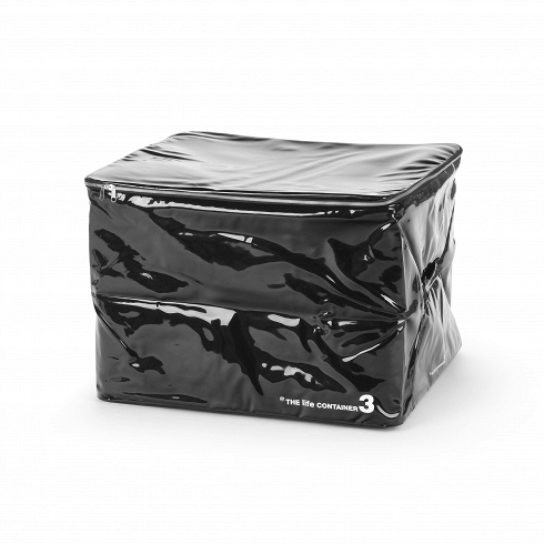 Контейнер для хранения The Life Container 3 черныйРазное<br>Контейнер для хранения The Life Container 3 черный — с ним вы сможете использовать гардероб по максимуму и всегда будете знать, где и что лежит. <br> <br> Коллекция The Life Container состоит из четырех контейнеров разного размера, выполненных в двух цветах — черном и белом. Каждый из них снабжен надежной молнией, которая помогает уберечь содержимое от влаги и пыли, а также мягкой ручкой, которая придется кстати при переноске. Материал, из которого выполнен контейнер, — ПВХ-пластик, обладающий пр...<br>