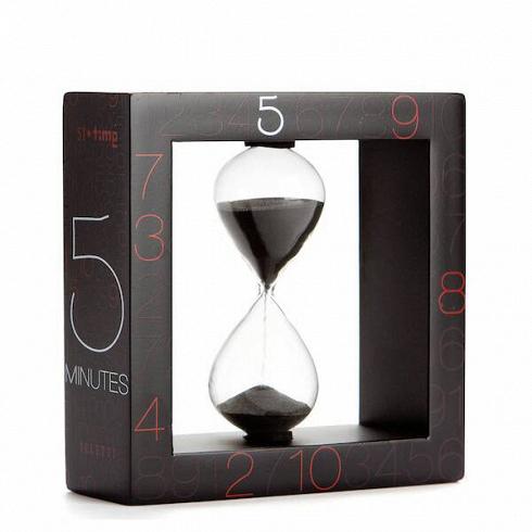 Песочные часы Si-Time на 5 минутЧасы<br>Итальянские дизайнеры из компании Seletti чтут традиции модернизма, не забывая о старинных канонах красоты, искрещивают новые формы и цвета с классическим декором, получая ни на что не похожие предметы.<br><br><br> Компания была создана еще в шестидесятых, один из ее основателей Романо в то время активно путешествовал по востоку Китая и привез в Европу предметы интерьера из бамбука, посуду и скатерти с восточным колоритом. О восточной мудрости напоминает намколлекция песочных часов...<br>