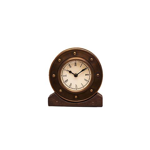 Часы Алейн (DTR2104 s/3Sm)Часы<br>RESTORATION HARDWARE – культовый бренд для дизайнеров всего мира.Готовые интерьеры и отдельные предметы мебели и декора RESTORATION HARDWARE практически сразу стали «секретным оружием» престижных дизайнеров, которые используют безупречную продукцию RESTORATION HARDWARE для оформления жилых и общественных помещений.<br>