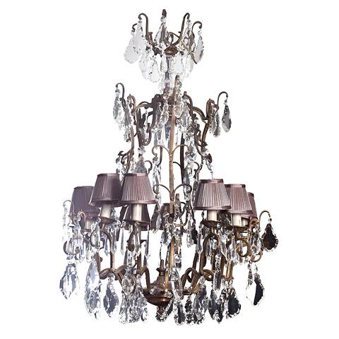 Люстра (430/L010)Подвесные<br>ROOMERS – это особенная коллекция, воплощение всего самого лучшего, модного и новаторского в мире дизайнерской мебели, предметов декора и стильных аксессуаров.<br>Интерьерные решения от ROOMERS – всегда актуальны, более того, они - на острие моды. Коллекции ROOMERS тщательно отбираются и обновляются дважды в год специально для вас.<br>