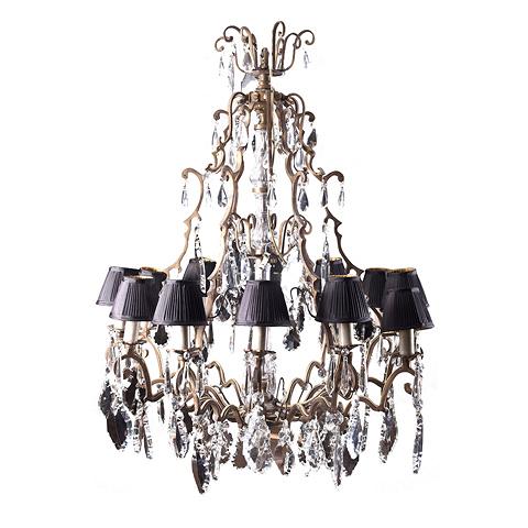 Люстра Рома (268/L ROMA)Подвесные<br>ROOMERS – это особенная коллекция, воплощение всего самого лучшего, модного и новаторского в мире дизайнерской мебели, предметов декора и стильных аксессуаров.<br>Интерьерные решения от ROOMERS – всегда актуальны, более того, они - на острие моды. Коллекции ROOMERS тщательно отбираются и обновляются дважды в год специально для вас.<br>