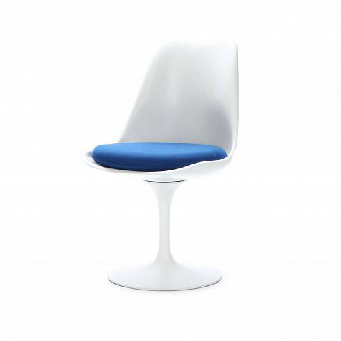 Стул TulipИнтерьерные<br>Стул Tulip — это один из самых знаменитых предметов мебели, он был разработан в 1958 году Ээро Саариненом. Поистине футуристический дизайн и классика модерна. Первый в мире одноногий стул изменил будущее дизайна мебели. Формой стул напоминает бокал или, как видно из названия, — тюльпан. Уникальное основание постамента обеспечивает устойчивость и выглядит эстетически привлекательным. Избавив стул от традиционных четырех ног, Ээро Сааринен визуально облегчил конструкцию и придал ей небывалое...<br><br>DESIGNER: Eero Saarinen