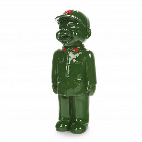 Статуэтка Military Man 2Настольные<br>Коллекция интерьерного декора Get IntoKhaki! (в переводе с английского «Натягивай форму!») — это широкий модельный ряд настольных статуэток, объединенных одной тематикой — военным ремеслом. Захотите ли вы поставить эти причудливые фигурки у себя на стеллаже или же задумали вручить пару таких фигурок своим друзьям или коллегам, это решать уже вам!<br> <br> Статуэтка Military Man 2 — очередная модель коллекции. Как и все прочие, она окрашена в яркий армейский зеленый цвет и украшена контрасти...<br>
