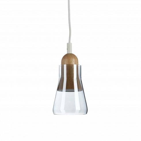 Подвесной светильник VerreПодвесные<br>Подвесной светильник Verre -оригинальный светильник, созданный преимущественно для интерьеров в стиле лофт. Его стильный дизайн одинаково подойдет для рабочих и жилых помещений. Разместить дома вы сможете его на своей кухне или в гостиной. <br> <br> Светильник оснащен яркимиLED лампами, которыеобеспечивают мягкий рассеянный свет, создающийуютную атмосферу в любом помещении. Особую элегантность светильника составляет изящный абажур, изготовленный изстекла с хромовой п...<br>