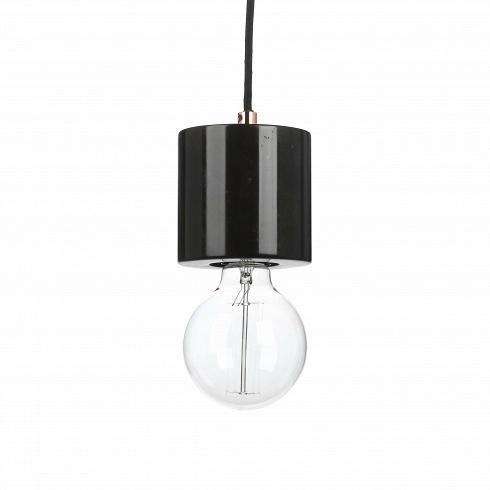 Подвесной светильник MarbleПодвесные<br>Данная модель подвесного светильника задумана как деталь большой световой инсталляции — это небольшой пазл, с помощью которого можно создать грандиозный по своему виду светильник. Если подвесить три и более подвесных светильника Marble на одном потолке, но на разном уровне, то выйдет красиваяи совершенно незаурядная люстра. Словно водопад светильники Marble будут украшать ваш интерьер, создавая высокий уровень уюта и душевного равновесия.<br> <br> Дизайн каждой лампочки одинаков. Он з...<br>