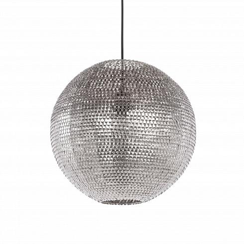Подвесной светильник MeshПодвесные<br>Подвесной светильник Mesh — это уже не избитый диско-шар, завсегдатай любой вечеринки. Это приметный светильник, который способен освежить любой интерьер, не превратив его в безвкусицу.<br> <br> Шарообразный абажур изготовлен из до блеска отполированныхметаллических деталей, которые отражают свет от лампы. Каким будет цвет — теплым или холодным, — это решать вам.<br> <br> Дизайн светильника выполнен в техно-стиле. Об этом свидетельствуют цвет и материалы изделия. Несмотря на большое колич...<br>
