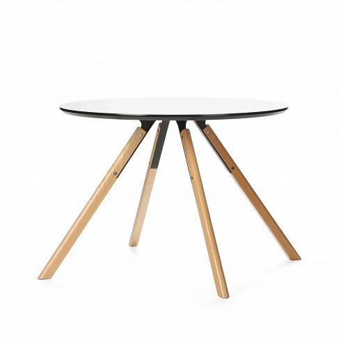 Обеденный стол Arnhem круглыйОбеденные<br>Стол Arnhem круглый — изящный предмет интерьераот компании Cosmo. Стол выполнен в неизменных традициях скандинавского минимализма. Для этого стиля характерны пастельные тона, натуральные материалы иминимум деталей.Древесина, металл, натуральные камни, стекло, хлопок, лен, мех, кожа, керамика — любые из этих материалов можно смело использовать в интерьерах этого направления. Украсьте стол Arnhem войлочными салфетками, цветком в кашпо, и он тут же преобразится в полноправного ...<br>