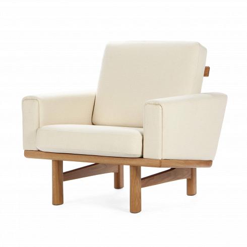 Кресло EisenhowerИнтерьерные<br>Мягкая мебель Eisenhower — это маленькая коллекция, состоящая из дивана и кресла в одном цветовом исполнении и стиле. Это выглядящие респектабельно предметы мебели, которые непременно сделают ваш интерьер стильным, модным, но в то же время размеренным и гармоничным.<br> <br> Кресло Eisenhower представлено в двух вариантах обивки — белом и коричневом. Каркас кресла тоже выполнен в двух вариантах, это американский орех и белый дуб. Оба вида древесины славятся красотой, износостойкостью и проч...<br>