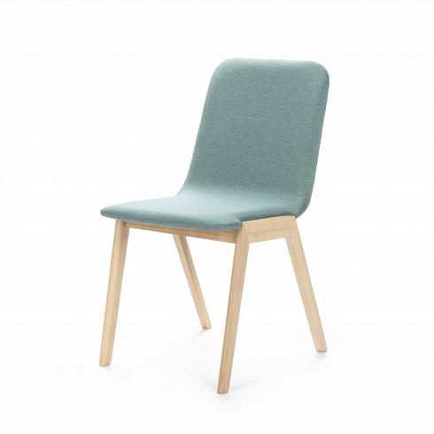Стул MaysonИнтерьерные<br>Доступный в двух цветах каркаса стул Mayson — превосходный кандидат для обеденной зоны. Дизайнеры сделали изделие комфортным, но компактным, благодаря чему он не занимает много места на небольшой кухне. Для устойчивости ножки расставлены под тупым углом, а для того чтобы не портилосьнапольное покрытие, на них имеются специальные насадки.<br> <br> Благодаря двум цветовым решениям легко подобрать наиболее подходящий для себя вариант. Модель с каркасом из светлого дерева идеально дополни...<br>