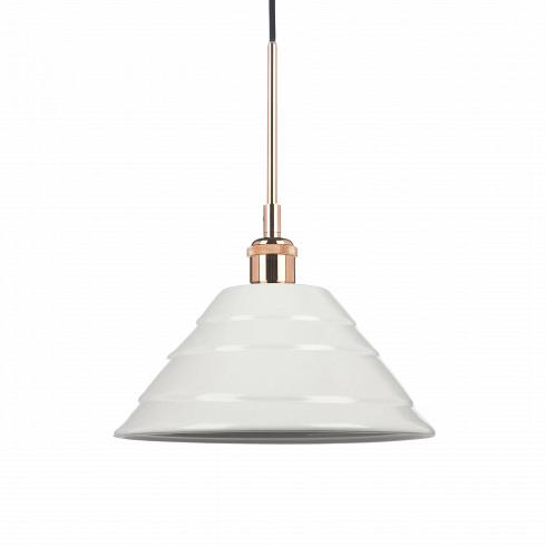 Подвесной светильник Cera 1Подвесные<br>Подвесные светильники из коллекции Cera очень просты по своему дизайну, но это — одно из их преимуществ. Абажур каждой из моделей выполнен из керамики в белом цвете. Они отлично сочетаются со светлыми интерьерами в стиле скандинавского эко. Для этого направления характерно использование натуральных материалов, в том числе и керамики. <br> <br> Данная модель — подвесной светильникCera 1. Это средний по размерам светильник, который одинаково удачен как для квартир с невысокими потолками, так ...<br>