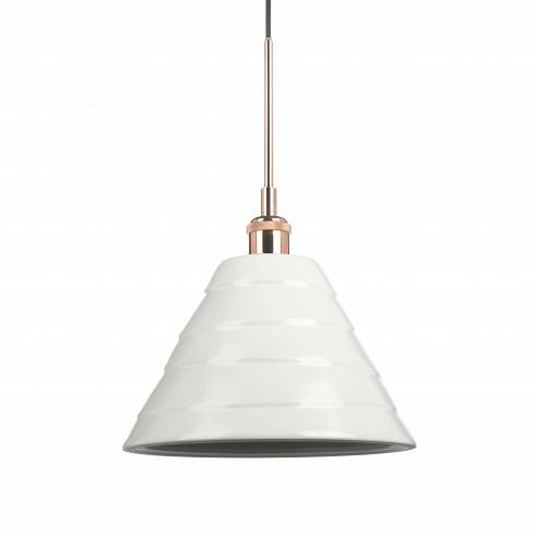 Подвесной светильник Cera 2Подвесные<br>Подвесные светильники из коллекции Cera очень просты по своему дизайну, но это — одно из их преимуществ. Абажур каждой из моделей выполнен из керамики в белом цвете. Они отлично сочетаются со светлыми интерьерами в стиле скандинавского эко. Для этого направления характерно использование натуральных материалов, в том числе и керамики. <br> <br> Данная модель — подвесной светильник Cera 2. Это самый крупный по высоте абажур в серии. Его нейтральную цветовую гамму разбавляет цоколь в «бронзе», котор...<br>