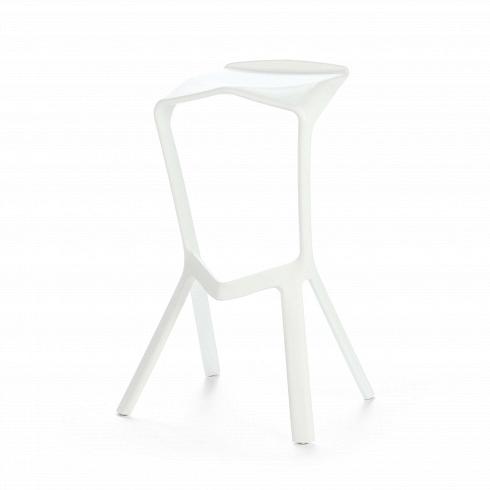 Барный стул Miura 2Барные<br>Известный немецкий дизайнер Константин Грчик любит экспериментировать. Благодаря смелому видению и умению сочетать практичность и эстетику он получает самые престижные дизайнерские награды, его творения выигрывают призы на конкурсах, некоторые даже являются экспонатами Нью-Йоркского музея современного искусства.Барный стул Miura2 — один из таких предметов, эта работа была представлена внекоторых наиболее уважаемых галереях имузеях мира.<br><br><br> Хотя геометрические ф...<br><br>DESIGNER: Konstantin Grcic