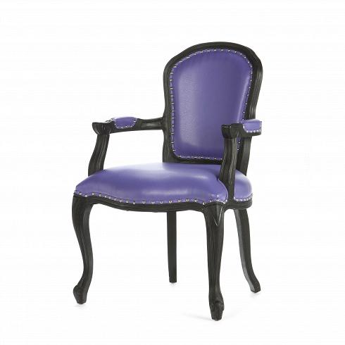 Кресло GrotesqueИнтерьерные<br>Дизайн кресла Grotesque совершенен — изящное и грациозное, оно наполнит ваш интерьер уютом и гармонией. Модель подойдет для использования как дома, так и в ресторане, отеле иликлубе в качестве обеденного кресла. На каркасе имеется несколько традиционных орнаментов французских провинций, но они не выглядят броскими, отчего дизайн всего изделия весьмалаконичен.<br> <br> Кресло изготовлено из натуральной древесины гевеи, каучукового дерева, произрастающего в жарком климате Южной...<br>