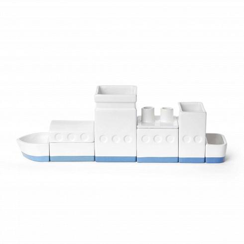Настольный органайзер The ShipРазное<br>Настольный органайзер The Ship — это фарфоровый склад, судно или город на вашем столе, которые помогают поддерживать нанем порядок. Квадратная основа каждого компонента оптимизирует пространство настоле, ипозволяет устраивать его так, как выпожелаете.<br><br><br><br><br><br><br> Настольный органайзер The Ship предлагается в различных вариантах: метафора завода, города икорабля.<br>