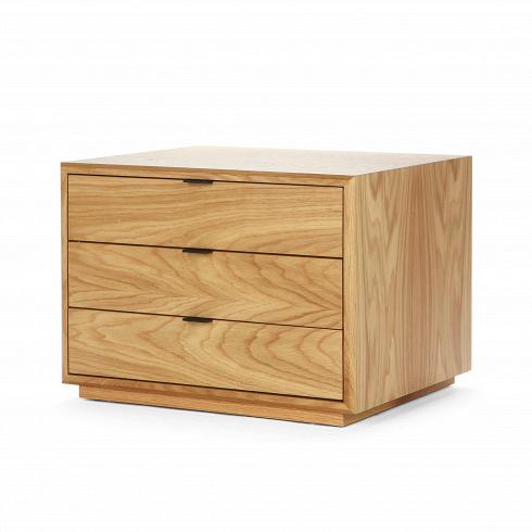 Комод YorkТумбы и комоды<br>Комод York — небольшой, но ловкий предмет интерьера, который можно использовать и в качестве мебели для коридора, и любой жилой комнаты. Это изделие отлично сочетается как приставная тумбасо скамьей Robert, которая прекрасно подходит как для домашних интерьеров, так и помещений в отелях и магазинах.<br> <br> Комод выполнен из прочной древесины дуба, обработанной защитным составом, продлевающим жизнь вашему будущему приобретению.<br> Ящики и каркас комода имеют строгие классические...<br>