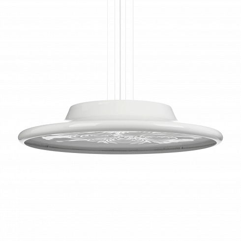 Подвесной светильник NebulaПодвесные<br>Светильник Nebula создан британским дизайнером Россом Лавгроувом.<br> <br>Диффузор светильника Nebula диаметром 80см изготовлен изтермопластика. Попериметру, задекоративной алюминиевой окантовкой, размещены светодиоды. Светильник можно крепить кповерхности стены или потолка.<br> <br>Многочисленные элементы, изкоторых состоит светильник Botanic Rain, изготовлены изполимерной смолы. Они образуют ажурный прозрачный занавес. Цепочки пластиковых «кристаллов» крепятся калюминиевой потол...<br><br>DESIGNER: Ross Lovegrove