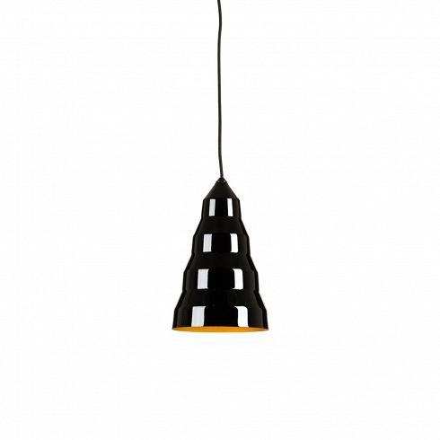 Подвесной светильник Step Light - TallПодвесные<br>Конический подвесной светильник Step Light— Fat сделан изтвердой полированной меди, дающей теплый мягкий свет. Внутренние ивнешние поверхности светильника Step Light— Fat покрыты лаком для предотвращения окисления.<br><br><br> Подвесной светильник Step Light – Tall работы современного британского дизайнера Тома Диксона (Tom Dixon) представляет собой вытянутую в виде конуса концентрическую конструкцию. За счёт того, что светильник выполнен из блестящего металла, покрытого...<br><br>DESIGNER: Tom Dixon