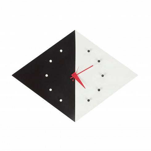 Часы Kite настенныеЧасы<br>Вобласти часового дела Джордж Нельсон был вкакой-то степени новатором. Онобладал особым талантом ивзглядом намир, выходящим зарамки его эпохи. Вего руках часы стали непросто инструментом, который отсчитывает время. Онразрабатывал неповторимый авторский дизайн для каждого предмета, при этом сохраняя его потребительские свойства. Часы, которые онсоздал, всегда будут актуальны иуместны влюбом интерьере.<br><br><br><br><br> Часы Д...<br><br>DESIGNER: George Nelson