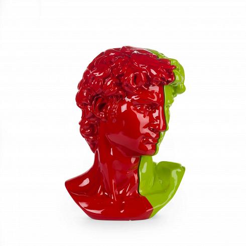 Статуэтка Colour AntinousНастольные<br>Эта статуэтка является бюстом одной из самых противоречивых знаменитостей времен античности — Антиноя. Она выполнена в двух цветах, красном и зеленом. Юноша изображен в непринужденной и при этом собранной позе, со слегка склоненной головой. Материалом для бюста послужил практичный и красивый современный материал полистоун, гарантирующий износостойкость и экологичность предмета.<br><br><br> Антиной был фаворитом императора Адриана и почитался почти как бог, его известность закрепилась в веках и...<br>