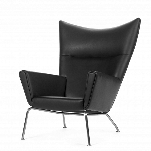 Кресло CH445Интерьерные<br>Свой первый стул знаменитый датчанин Ханс Вегнер сделал, когда ему было пятнадцать, с тех пор вдохновение для своих творений он черпал повсюду — от раскрытого хвоста павлина до древнекитайской мебели династии Мин. В 1960 году онрешил пофантазировать на тему классического английского виндзорского кресла XVIII века и создал свою версию. Так появилось кресло CH445 — элегантное, удобное и современное: широкие «крылья» спинки отлично поддерживают спину, шею и голову, а просторная подушка...<br><br>DESIGNER: Hans Wegner