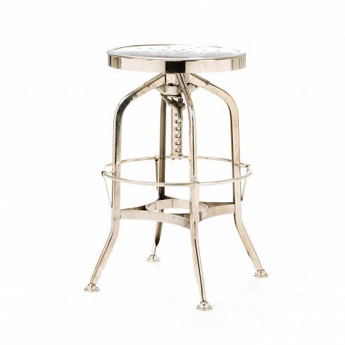 Барный стул Toledo GunmetalБарные<br>Оригинальный дизайн барного стула Toledo Gunmetal разработан еще в начале XX столетия. Создатели стула ориентировались на мастерские, производственные цеха и военные учреждения. Вероятно, из-за задумки производителейготовое изделие стало выглядетьв стиле стимпанк — все эти зубцы, острые углы и блеск металла говорят именно об этомальтернативном стиле викторианской Англии. Благодаря этому стул представляет собой миксвинтажа исредневекового модерна — микс вечной кла...<br>