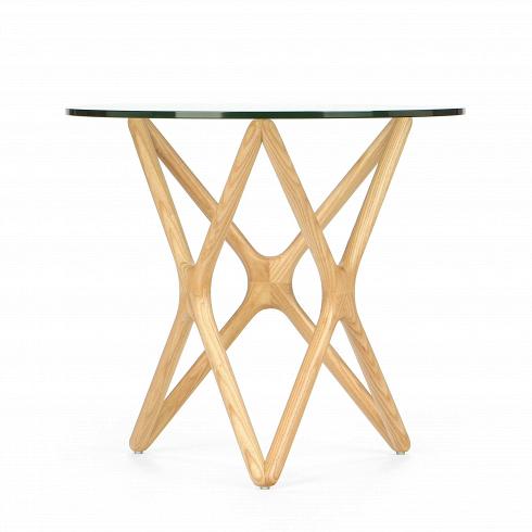 Кофейный стол Triple X высота 51Кофейные столики<br>Впечатляющее, привлекательноесочетание стекла и дерева собраны в единую и стройную конструкцию, чтобы создать настоящеепроизведение искусства для вашего интерьера. Прочные ножки из долговечного американского ореха (в другом варианте — из белого дуба) будто оплетают чистое как слеза стекло, превращаясь в поистине прекрасный и не менее функциональный столик.<br> <br> Но кофейный стол Triple X высота 51 — это не просто красивый и изящный силуэт, но ипрактичный и надежный предмет ме...<br><br>DESIGNER: Sean Dix