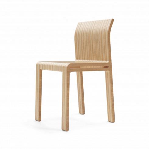 Стул MonsterasИнтерьерные<br>Помимо классических образцов скандинавского дизайна, простота и основательность стула Monsteras напоминает работы британского дизайнера Джаспера Моррисона 80-х годов прошлого века. Моррисон использует простые материалы, создавая плавный, непринужденный изгиб линий, который не только приятен глазу, но и обусловлен функциональностью предмета. <br> <br> Стул Monsteras отлично сочетается <br>со столом из линии Monsteras.<br>