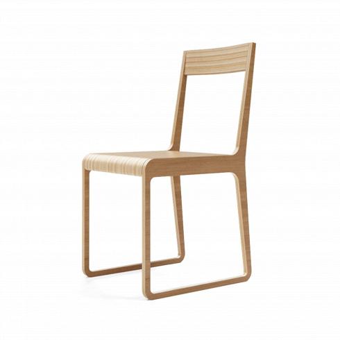 Стул SatersИнтерьерные<br>Классика современного дизайна — оригинальный стул Saters состоит из <br>склеенных элементов березовой фанеры и поставляется с различной отделкой:<br> натуральный шпон дуба или ореха или покраска в один из цветов, который<br> можно выбрать при заказе.<br>