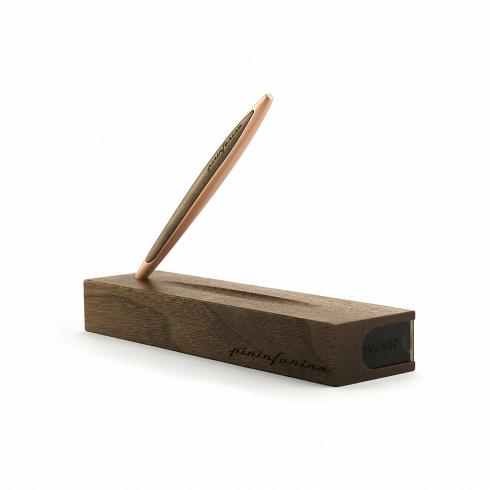Вечный карандаш с подставкой-футляром Napkin Forever Pininfarina CambianoРазное<br>Вечный карандаш с подставкой-футляром Napkin Forever Pininfarina Cambiano, включает деревянную подставку-футляр. <br><br><br> Идея создания вечного карандаша уходит своими корнями в прошлое и обращает наши взоры в будущее. В Средние века, задолго до изобретения карандаша, художники пользовались металлическими наконечниками для рисования на специально подготовленной и обработанной бумаге. Эта техника была известна как Silverpoint. Техника Silverpoint использовалась множеством известных художнико...<br>