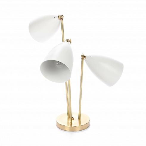 Настольный светильник Three-ArmedНастольные<br>Настольный светильник Three-Armed — это воспроизведение уникальной работы промышленного дизайнера Греты Магнуссон Гроссман. Он был создан в пятидесятых годах XX века и с тех пор не теряет популярности. Грета Гроссман сформировала эстетику «калифорнийского модернизма». Сама она находилась под большим влиянием европейского модернизма. Компания Cosmo с гордостью представляет вам работу этой талантливой художницы, поскольку все ее творения создавались в крайне ограниченном количестве под конкр...<br><br>DESIGNER: Greta Grossmann