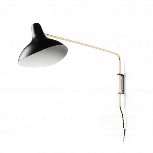 Настенный светильник Mantis RodНастенные<br>Настенный светильник Mantis Rod — это работа дизайнера Бернарда Шоттландера, которую он создал в 1951 году. Сам художник считает себя «дизайнером интерьеров и скульптором экстерьеров», поэтому его известный «богомол» (так переводится название светильника), может настраиваться по высоте и сгибу в зависимости от нужд владельца.<br><br><br> Настраиваемый функционал — одно из главных достоинств этого светильника. Очень удобно иметь возможность направить свет так, чтобы он падал под идеальным углом,...<br>