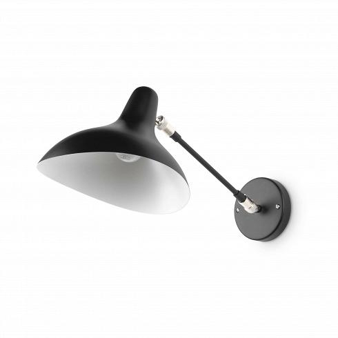 Настенный светильник MantisНастенные<br>Настенный светильник Mantis — это работа дизайнера Бернарда Шоттландера, которую он создал в 1951 году. Сам художник считает себя «дизайнером интерьеров и скульптором экстерьеров», поэтому его известный «богомол» (так переводится название светильника), может настраиваться по высоте и сгибу в зависимости от нужд владельца. Светильник очень изящный — тонкие линии и плавные текучие формы. В нем воплощена грация творений природы, простых и прекрасных.<br><br><br> Настенный светильник Mantis сделан и...<br>