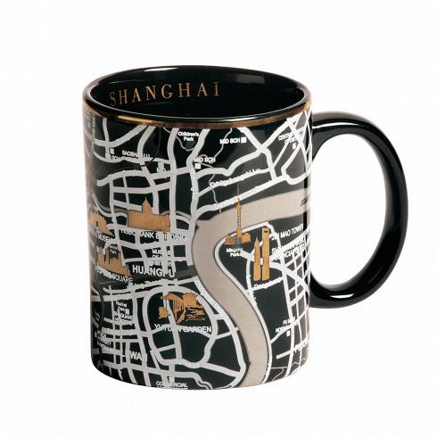 Кружка ShanghaiПосуда<br>Кружка Shanghai — это кружка, украшенная изображением территории города Шанхай спригородами. Она выполнена вчерном цвете сзолотыми элементами. Кружка входит вколлекцию издевяти дизайнерских кружек сизображением крупных городов совсего мира.<br><br><br><br><br><br><br> Дизайнерские тарелки изсоответствующей коллекции делают эти кружки просто идеальной столовой комбинацией, подходящей как для завтрака, так иобеда иужина внепринужденной...<br>