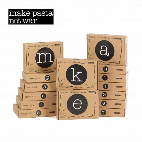 Настенный светильник Neon Art Make Pasta Not WarНастенные<br>Настенный светильник Neon Art Make Pasta Not War — это буквы алфавита, цифры и символы, насоздание которых авторов вдохновили классические типографские шрифты. Неоновый светильник добавит яркий ипричудливый стиль влюбую обстановку.<br><br><br><br><br><br><br> Неоновые настенные светильники идеально подходят для использования вкачестве простых монограмм или для составления вцелые слова, для создания объявлений, обращающих насебя внимание ипривлекательных выв...<br>