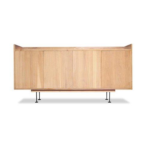 Комод Осака (Osaka Sideboard)Тумбы и комоды<br>ROOMERS – это особенная коллекция, воплощение всего самого лучшего, модного и новаторского в мире дизайнерской мебели, предметов декора и стильных аксессуаров. Интерьерные решения от ROOMERS – всегда актуальны, более того, они - на острие моды. Коллекции ROOMERS тщательно отбираются и обновляются дважды в год специально для вас.<br>