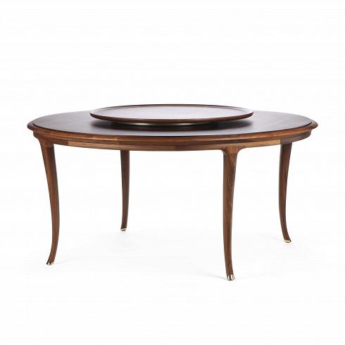 Обеденный стол LussoОбеденные<br>Обеденный стол Lusso— изящная классическая модель стола, которая бесспорно украсит собой любую просторную залу или обеденную. Дизайн стола лаконичен, но при этом очень выразительный. Благодаря тонкимизогнутым ножкам, текстуре натурального дереваи необычной форме столешнице стол безусловно подойдет классическому интерьеру.<br><br>Стол изготовлен из натуральной древесины американского ореха, обладающей высокой прочностью и износостойкостью. Мебель из ореха способна прослужит...<br>