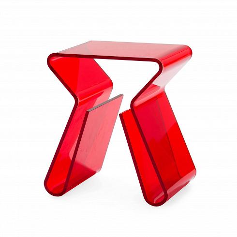 Кофейный стол MaginoКофейные столики<br>Прозрачный столик от ньюйоркца Карима Рашида, всемирно известного промышленного дизайнера и декоратора, изобретателя стиля поп-люкс и адепта ярких красок и синтетических материалов, можно легко представить на роскошных виллах в Майами, городских квартирах в духе минимализма или модных нью-йоркских лофтах, ведь кофейный стол Magino — отличная альтернатива массивным и неповоротливым деревянным столам.<br><br><br> Как и все творения Рашида, этот столик футуристичный и при этом функциональный — он...<br><br>DESIGNER: Karim Rashid