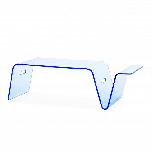 Кофейный стол Modern AcrylicКофейные столики<br>Стильный и модный хай-тек-дизайн кофейного стола Modern Acrylic приковывает к себе взгляды и приятен на вид. В зависимости от освещения он приобретает новые оттенки, которые делают интерьер ярким и неповторимым. Если вы ищете простой вариант освежить интерьер, то не обязательно хвататься за рамки и вазы — всегда можно обзавестись стильным дизайнерским кофейным столом Modern Acrylic от компании Cosmo.<br> <br> Столик можно использовать и как подставку под ноутбук. Если вы сидите на диване и боитес...<br>